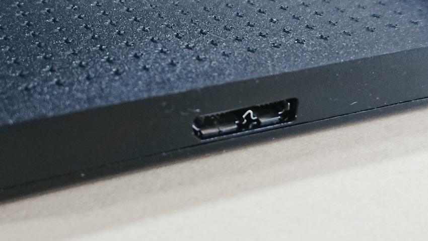 バッファロー(BUFFALO)500GB-HDのコネクタ1