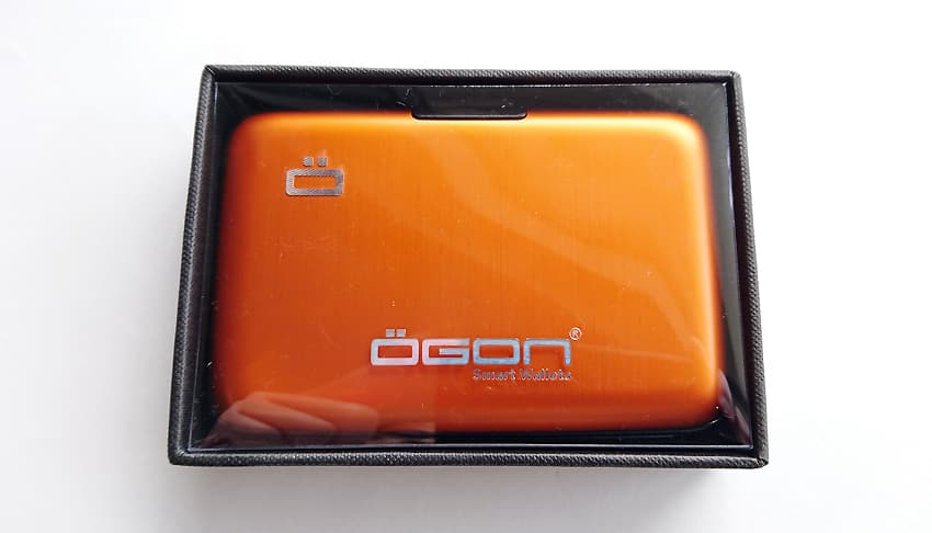 OGON(オゴン)カードケース17