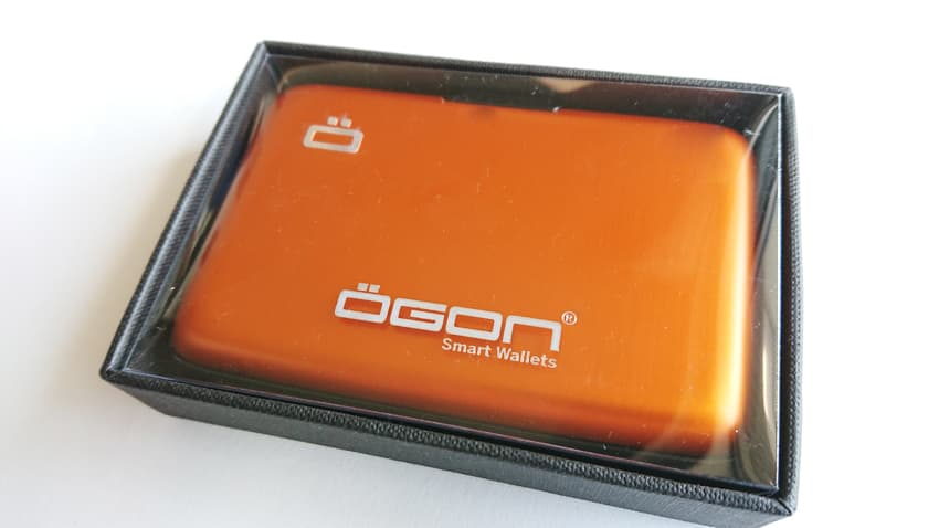 OGON(オゴン)カードケース2