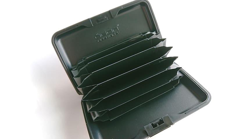 OGON(オゴン)カードケース12