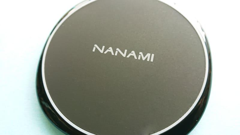 NANAMIワイヤレス急速充電器の本体表面2