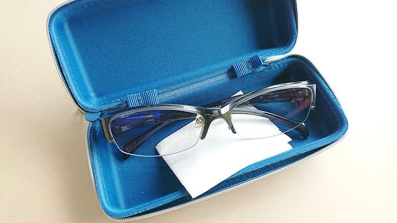 無印の携帯用メガネ拭き14