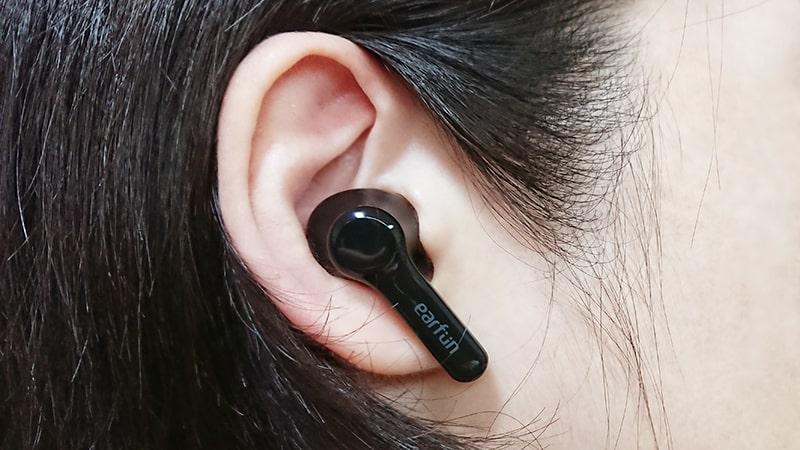 earfun-Air-pro2の本体の装着例